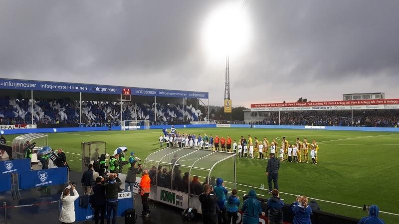 Sarpsborg - Maccabi Tel-Aviv 3-1 Fossefallet tifo